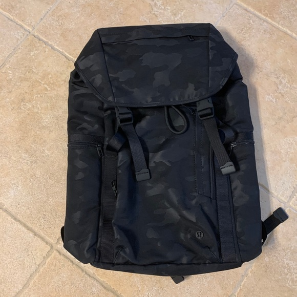 Lululemon command the day backpack NWT